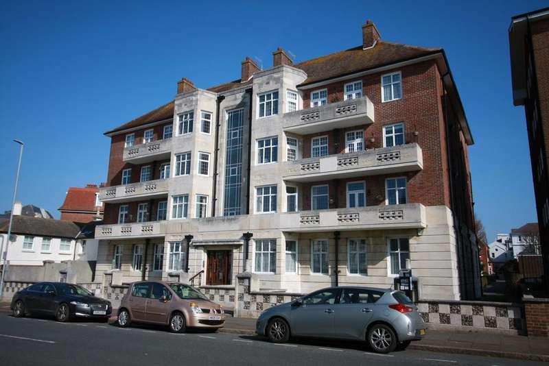 4 Bedrooms Apartment Flat for sale in Burlington Court, Burlington Place, Eastbourne BN21