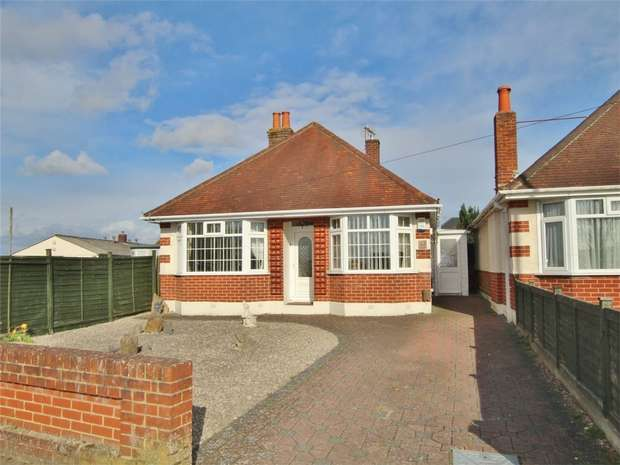 2 Bedrooms Detached Bungalow for sale in Darbys Lane, Oakdale, POOLE, Dorset