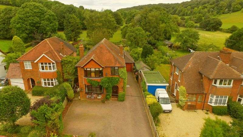4 Bedrooms Detached House for sale in Bryants Bottom Road, Great Missenden