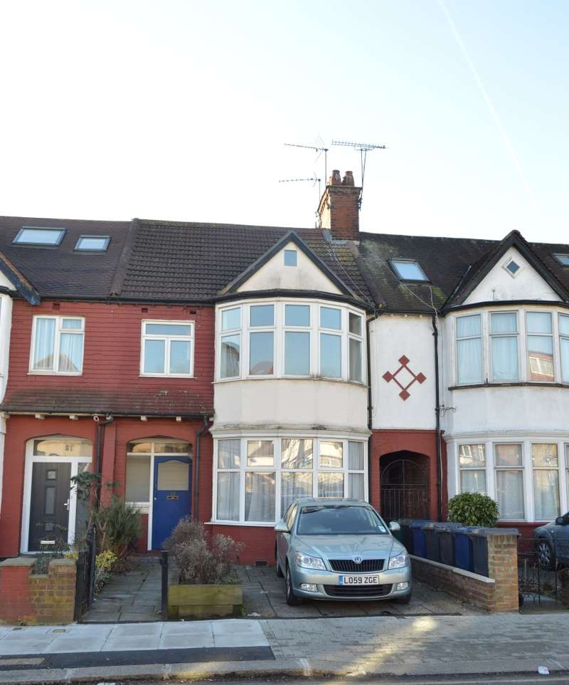 3 Bedrooms Maisonette Flat for sale in The Drive, Golders Green, London, NW11 9UJ