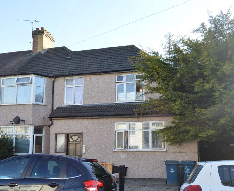 1 Bedroom Flat for sale in Byron Road, Wealdstone, Harrow, Middlesex, HA3 7TF