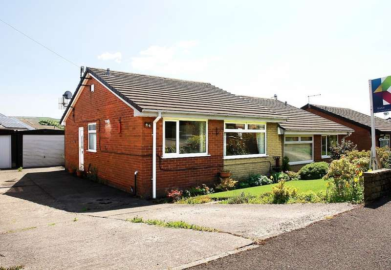 2 Bedrooms Semi Detached Bungalow for sale in 44 Hawkshead Road, Shaw