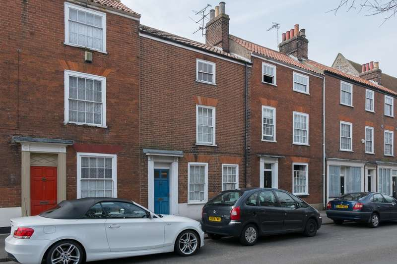 3 Bedrooms Town House for sale in Tolhouse Street, Great Yarmouth