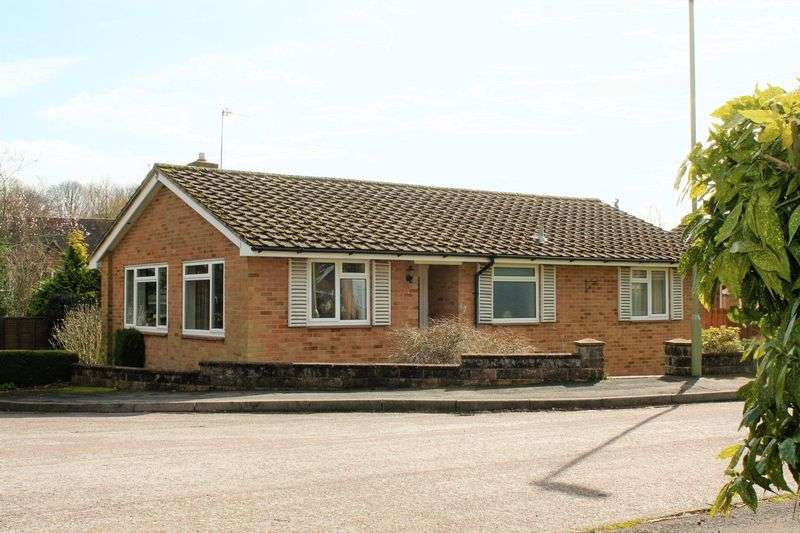 3 Bedrooms Detached Bungalow for sale in Bishops Waltham