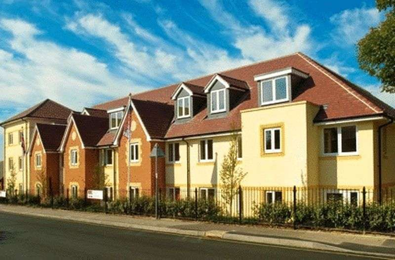 2 Bedrooms Retirement Property for sale in Gillingham, Royal Lodge