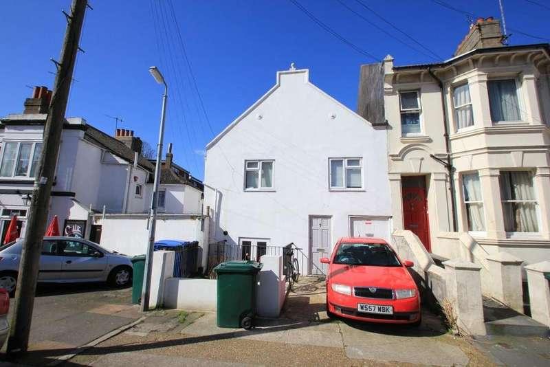 6 Bedrooms House for rent in De Montford Road, Brighton