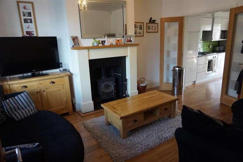 3 Bedrooms Semi Detached House for sale in Poplar Avenue, Cross Heath, Newcastle, Staffs