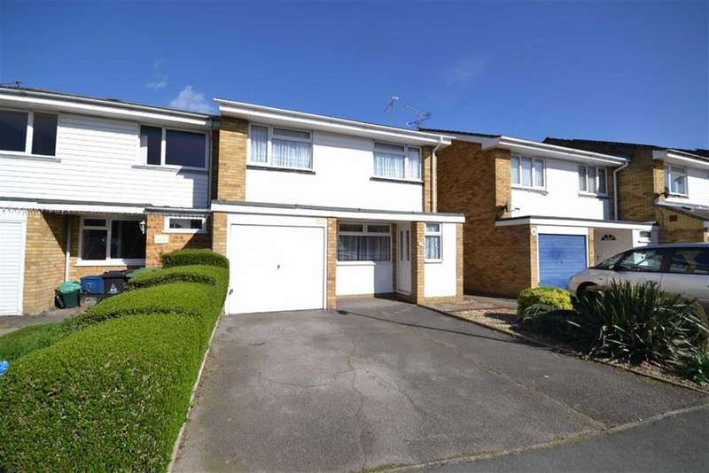 3 Bedrooms End Of Terrace House for sale in Maple Way, Burnham-on-Crouch, Essex