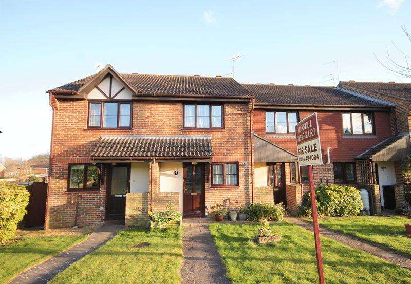 2 Bedrooms Terraced House for sale in Lime Tree Grove, Lindfield, West Sussex