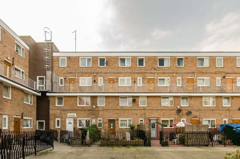 3 Bedrooms Flat for sale in Portia Way, Mile End, E3