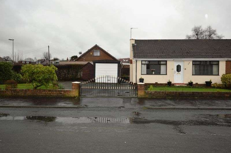 2 Bedrooms Semi Detached Bungalow for sale in Beechfield Road, Rochdale