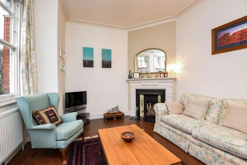 2 Bedrooms Flat for sale in Salterford Road, Tooting, SW17