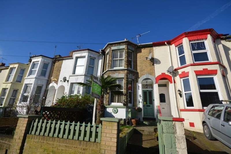 3 Bedrooms Semi Detached House for sale in Pelham Road, Cowes