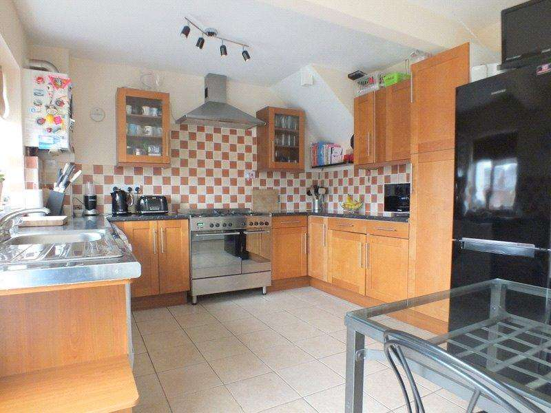 3 Bedrooms Semi Detached House for sale in Siskin Walk, Worle, Weston-super-Mare, North Somerset, BS22
