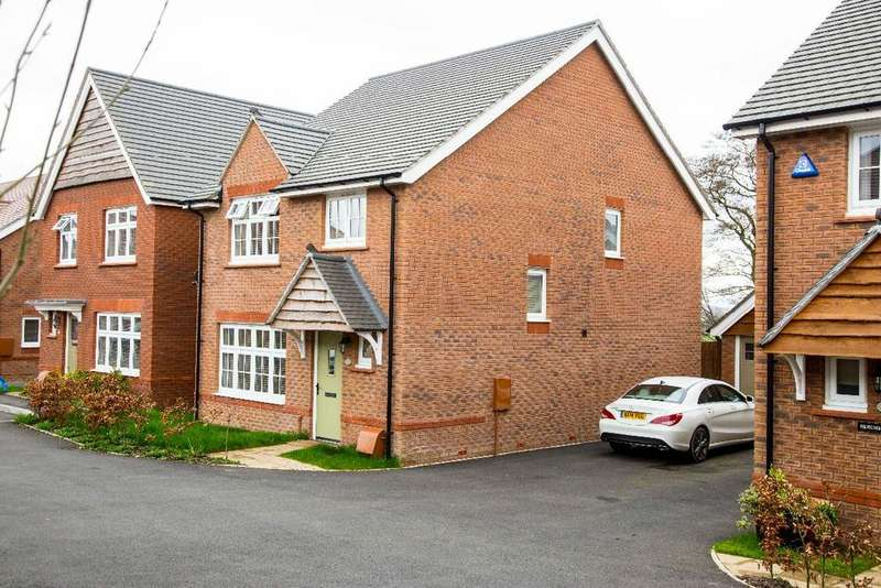 4 Bedrooms Detached House for sale in River Avenue, Manor View, Trelewis, CF46 6EF