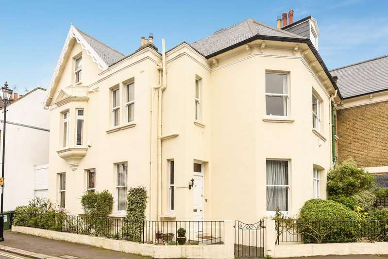 5 Bedrooms Semi Detached House for sale in Dartmouth Row London SE10