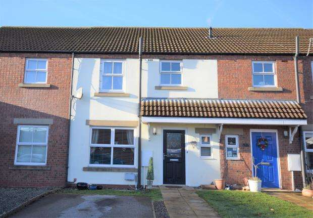 3 Bedrooms Terraced House for sale in Constainine Crescent, Crossgates, Scarborough YO12 4LQ
