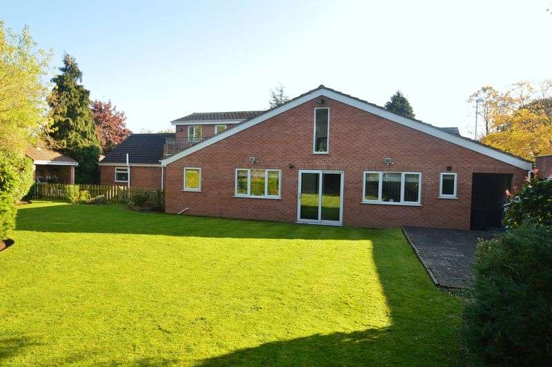 5 Bedrooms Detached House for sale in Papplewick Lane, Nottingham