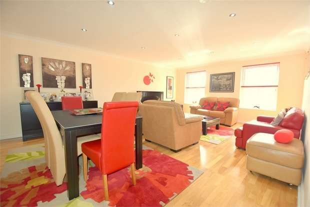 2 Bedrooms Flat for sale in Park View, 2 Vere Road, BROADSTAIRS, Kent