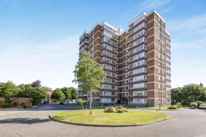 1 Bedroom Flat for sale in Blount Road, Portsmouth, United Kingdom