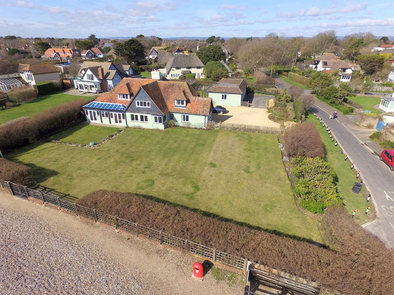 5 Bedrooms Detached House for sale in Sea Lane, Middleton-on-sea