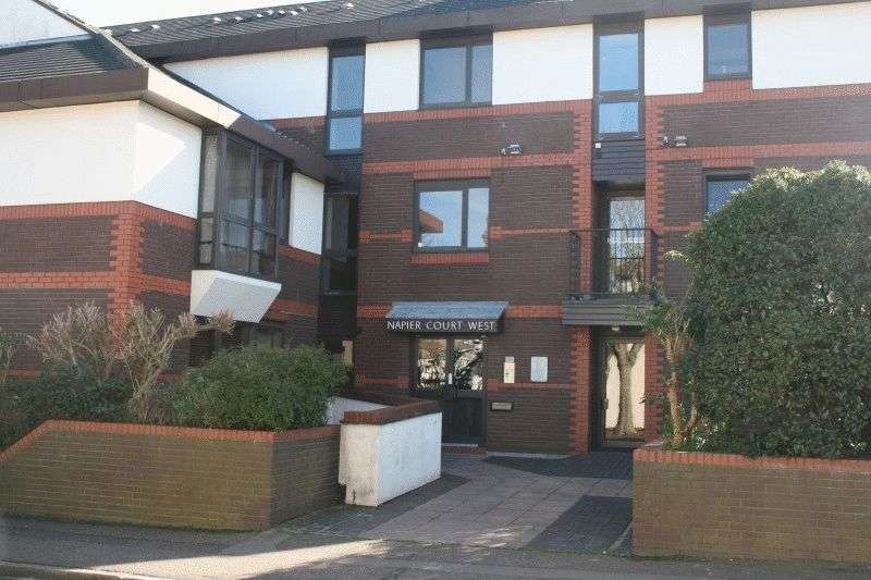 1 Bedroom Flat for sale in Napier Court West, Gordon Place, Southend-On-Sea