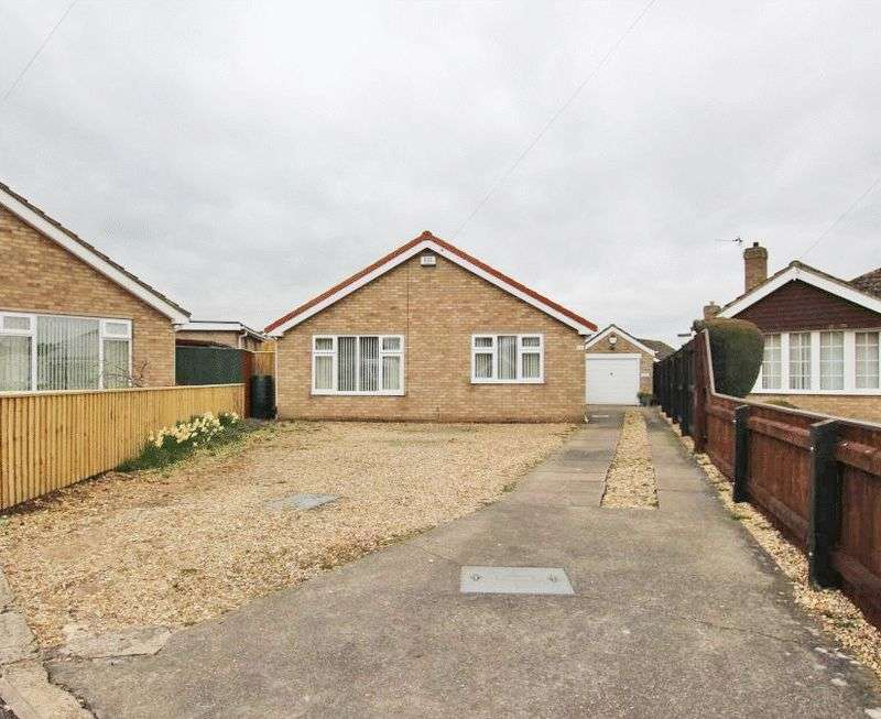 2 Bedrooms Detached Bungalow for sale in HOLTON COURT, HOLTON LE CLAY