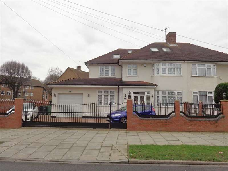 6 Bedrooms Property for sale in Thorncliffe Road, Norwood Green, Middlesex