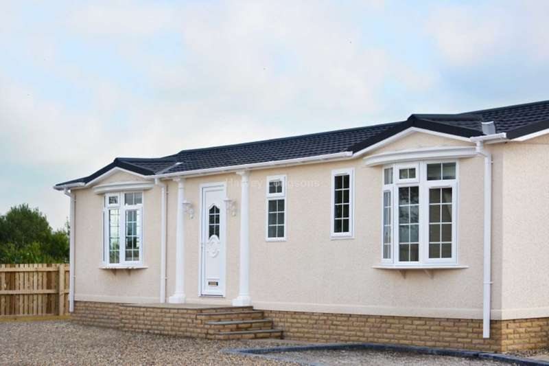 2 Bedrooms Park Home Mobile Home for sale in Higher Lane, Salterforth, Lancashire
