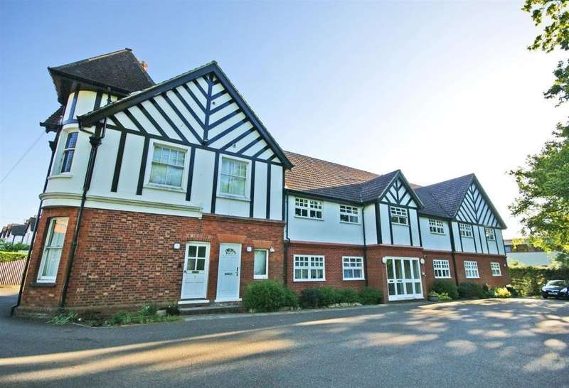 1 Bedroom Ground Flat for sale in Westside House, Dunraven Avenue, Redhill, Surrey, RH1 5HN