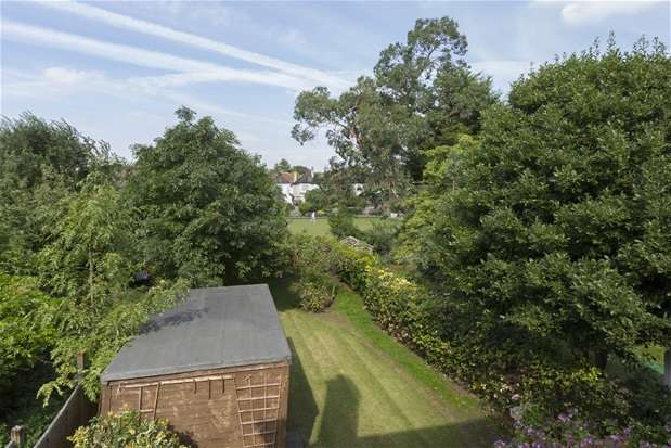 4 Bedrooms Semi Detached House for sale in Herne Hill Road, Herne Hill