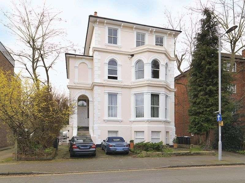 1 Bedroom Flat for sale in Uxbridge Road, Kingston, KT1