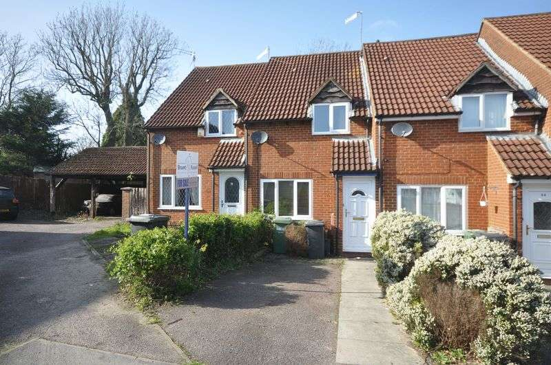 2 Bedrooms Terraced House for sale in The Wickets Kingswood