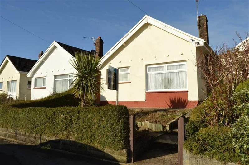2 Bedrooms Detached Bungalow for sale in Broadmead, Killay, Swansea