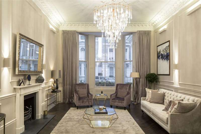 3 Bedrooms Flat for sale in Queen's Gate Place, London, SW7
