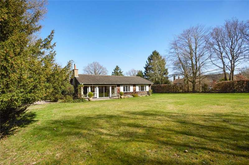 3 Bedrooms Detached Bungalow for sale in Sutton Green Road, Sutton Green, Guildford, Surrey, GU4