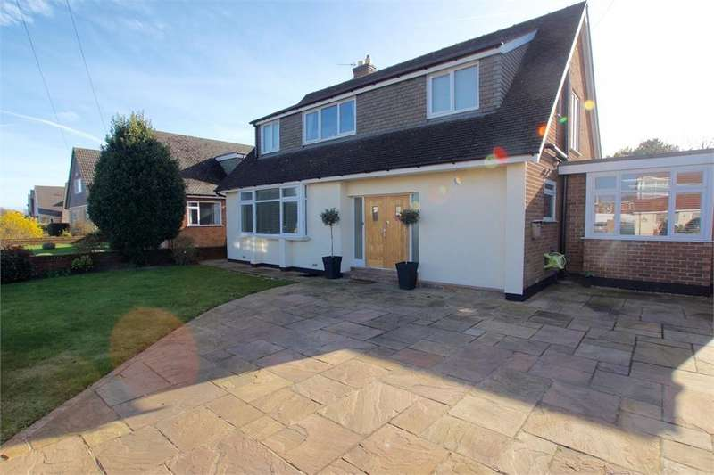 4 Bedrooms Detached House for sale in Heyhouses Lane, St. Annes, Lancashire