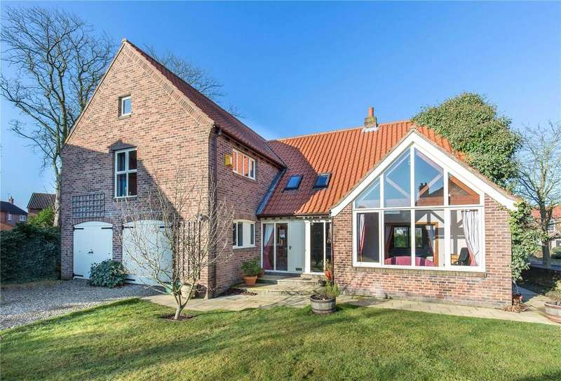 5 Bedrooms Detached House for sale in The Green, Elvington, York, YO41