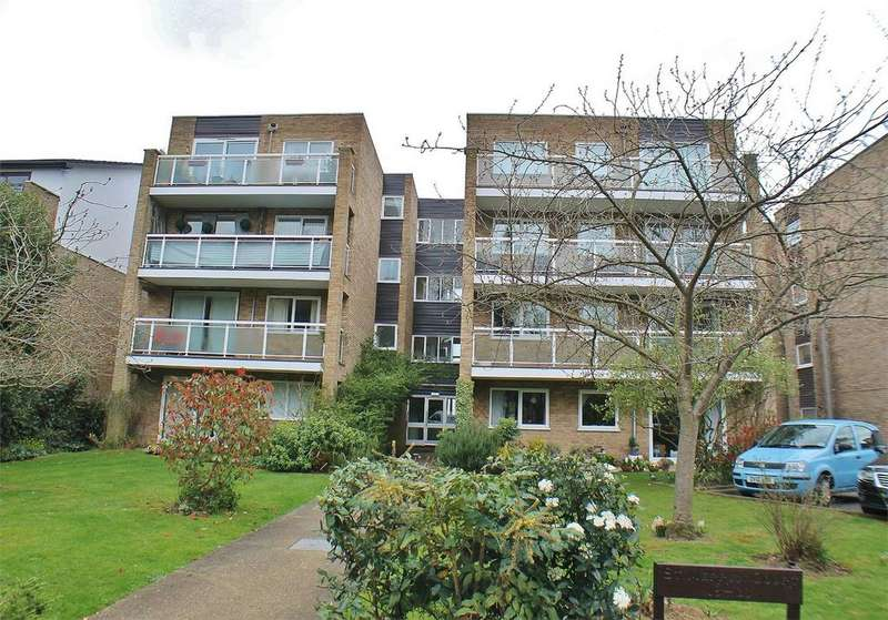 2 Bedrooms Flat for sale in St Merryn Court, 16 Brackley Road, Beckenham