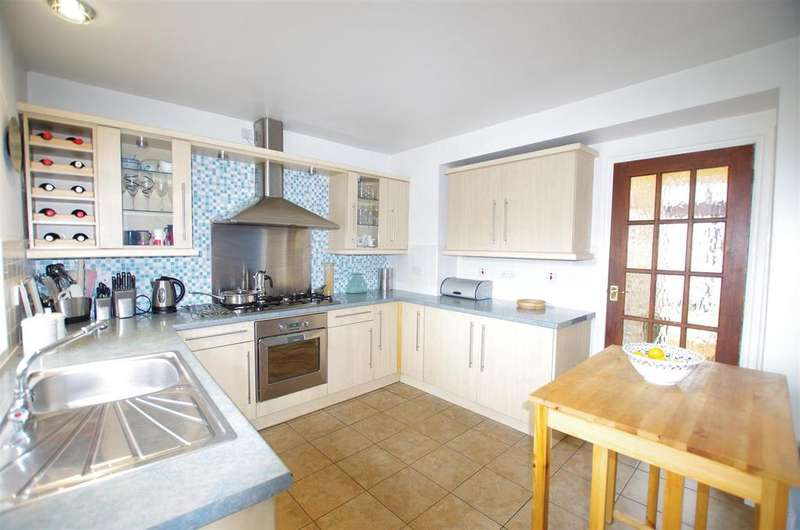 3 Bedrooms Terraced House for sale in Cobden Street, Sowerby Bridge