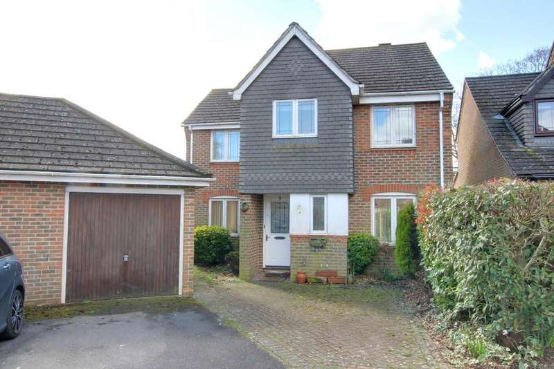 3 Bedrooms Detached House for sale in CREECH VIEW , DENMEAD