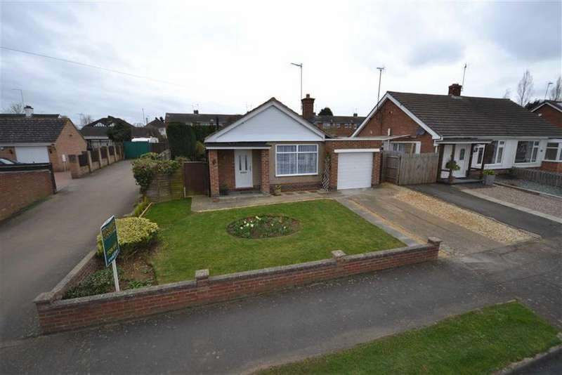 2 Bedrooms Detached Bungalow for sale in Rydalside, Kettering