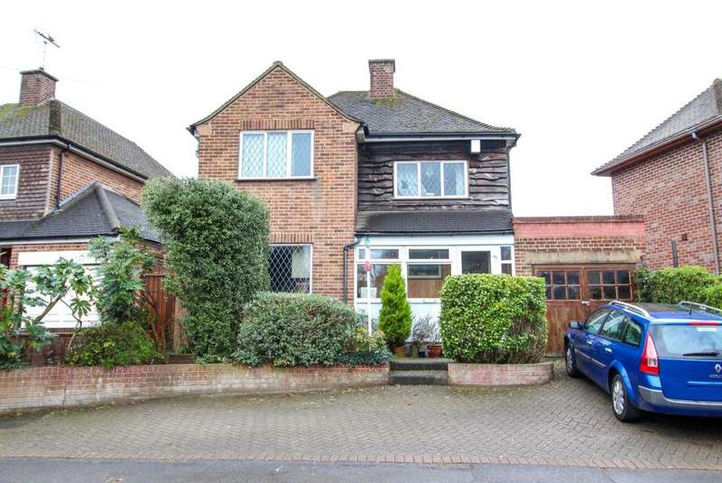 3 Bedrooms Detached House for sale in Headley Chase, Warley, Brentwood, Essex, CM14