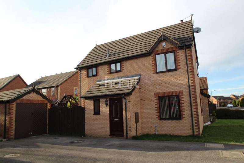 3 Bedrooms Semi Detached House for sale in Edencroft Drive, Edenthorpe