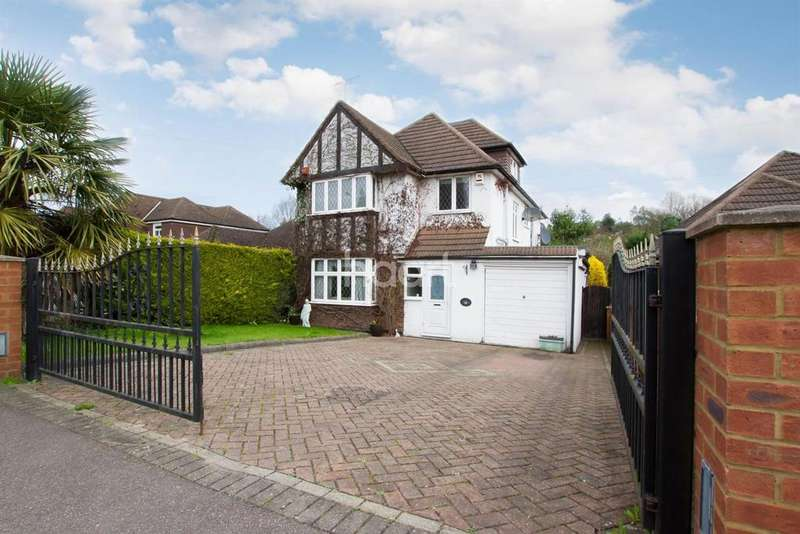 5 Bedrooms Detached House for sale in Brookdene Avenue, Watford, WD19