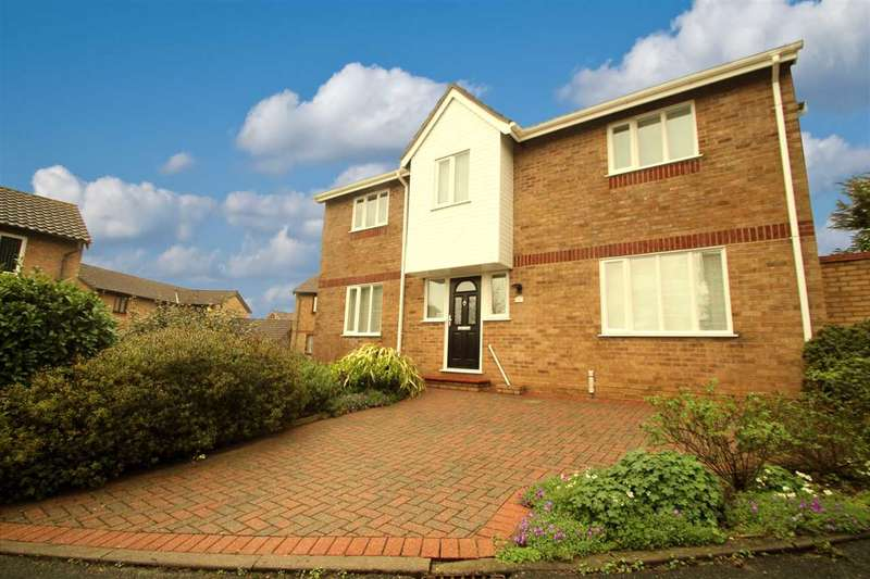 4 Bedrooms Detached House for sale in Wilding Road, Ipswich
