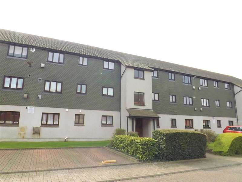 2 Bedrooms Flat for sale in Franklyns, Teviot Avenue, Aveley
