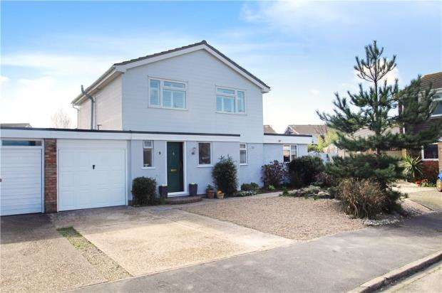 4 Bedrooms Detached House for sale in West Head, Beaumont Park, Littlehampton, West Sussex, BN17
