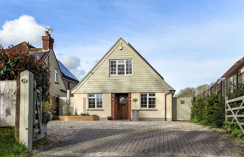 5 Bedrooms Detached Bungalow for sale in Hall Cottages, Barnham Road, Eastergate, PO20