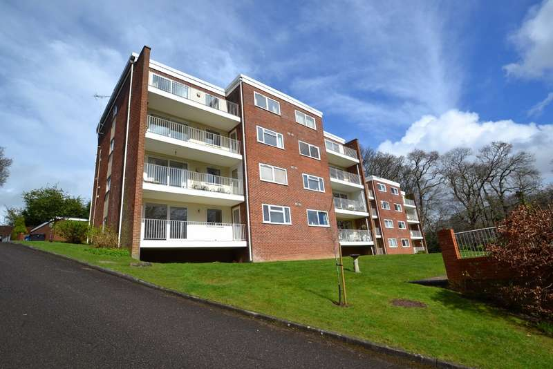 1 Bedroom Flat for sale in Broadstone